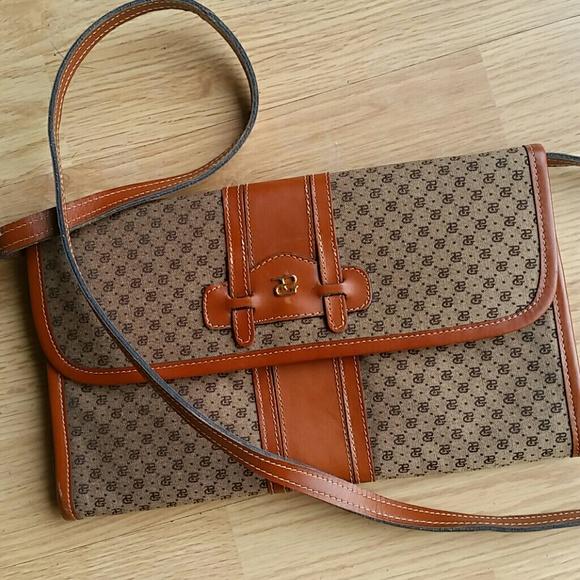 205294b144a Gucci Handbags - Vintage PAOLO Gucci crossbody